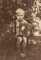 small boy with accordion